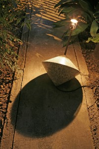 Spinning top for outdoors
